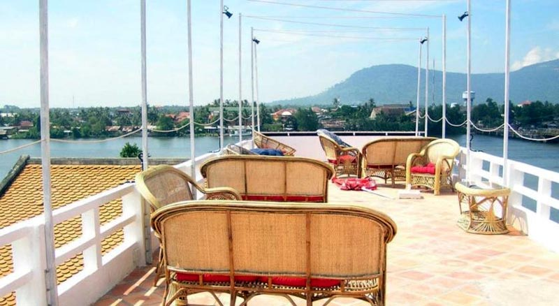 Open Air Roof Deck With Ustructed View Of Kampot River